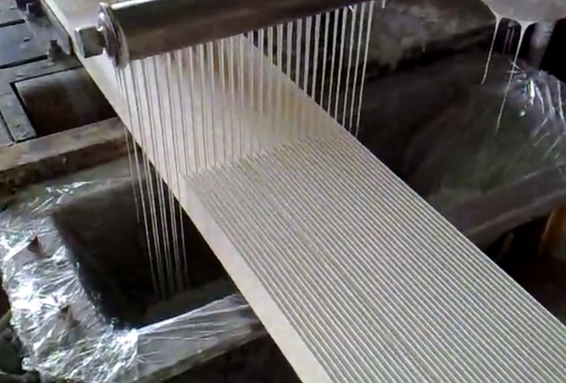 Процедура нанесения клея в заводских условиях