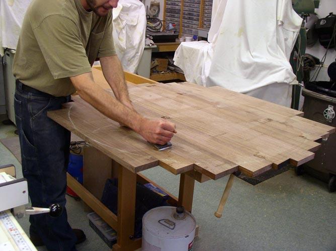 Круглый стол своими руками из дерева
