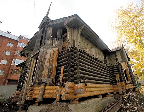 Ремонт старого бревенчатого дома – комплексная задача.