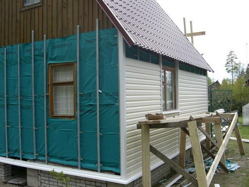 Ремонт старых деревянных домоввключает в себя много важных этапов