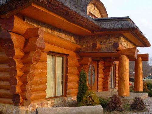 Рубленые дома – интересное решение для любителей классики