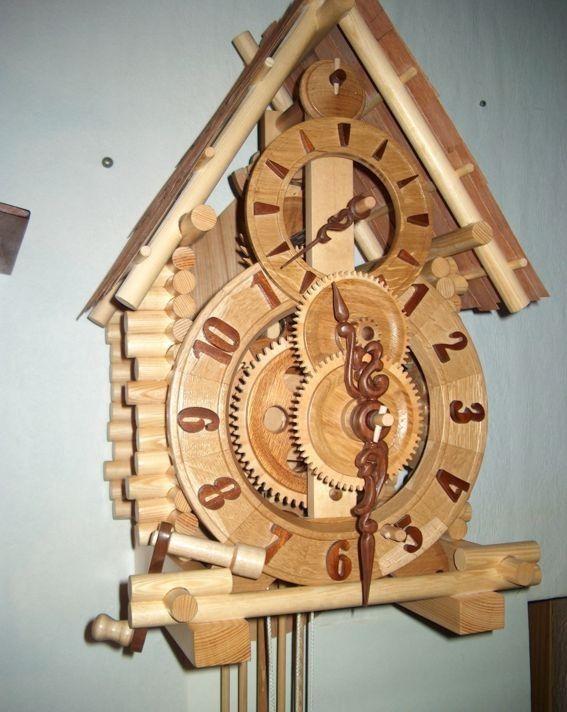 Самодельные деревянные часы.
