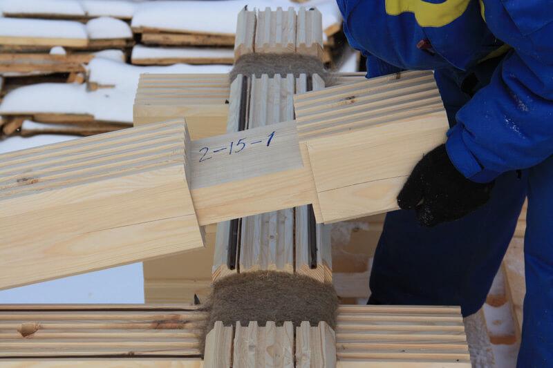 Сборка сруба из маркированных деталей