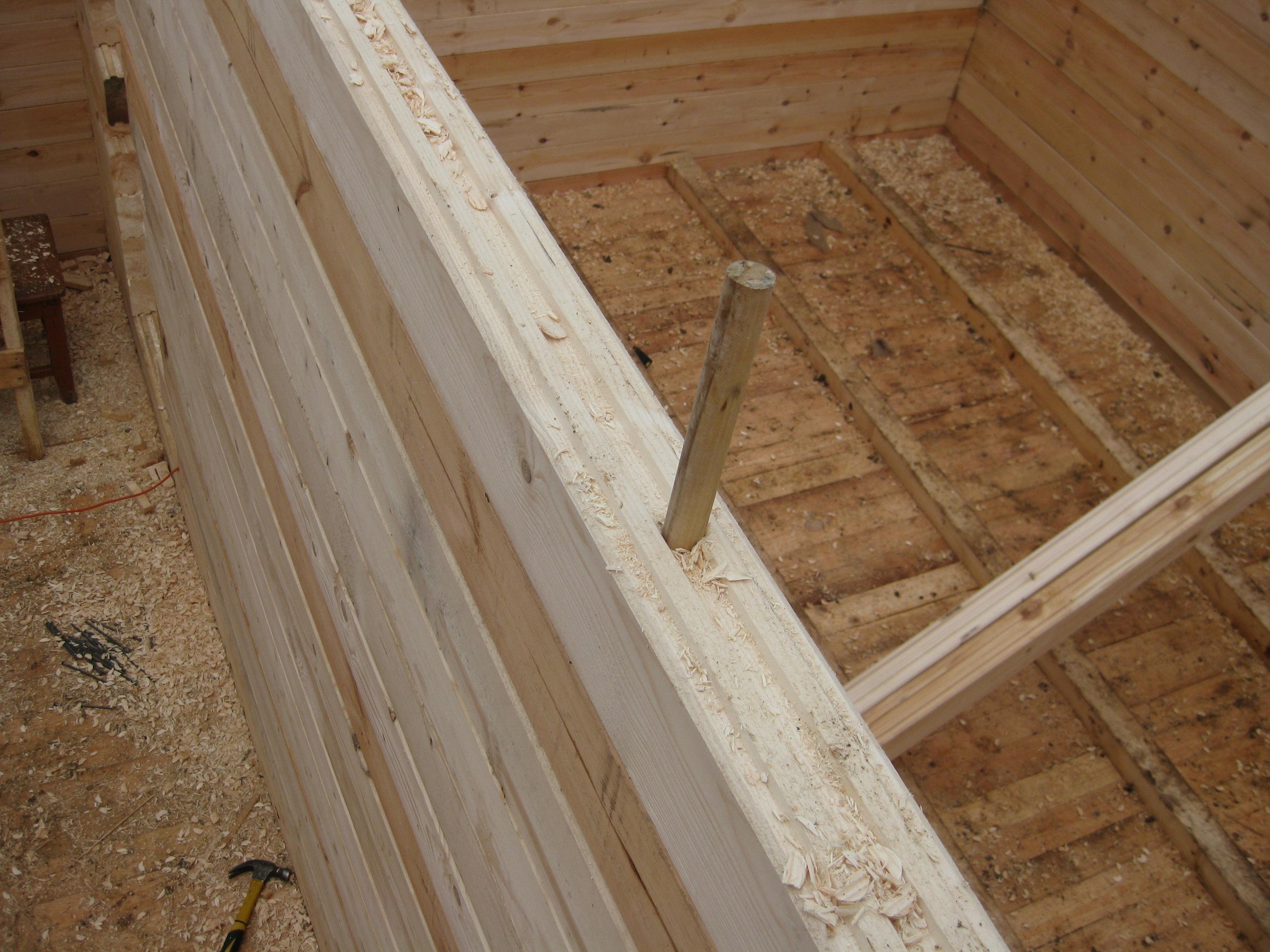 Сборка сруба на деревянные нагеля – пиленый брус