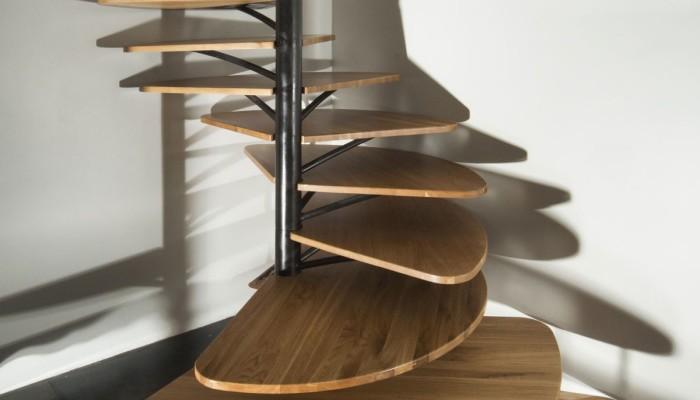 Спиральная деревянная лестница