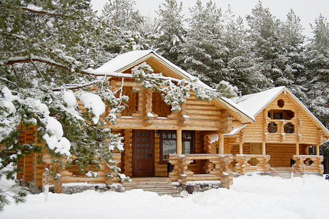 Сруб эффективно защищает от зимних морозов