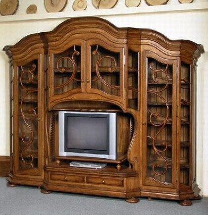 Старая мебель после реставрации выглядит гораздо лучше новой.