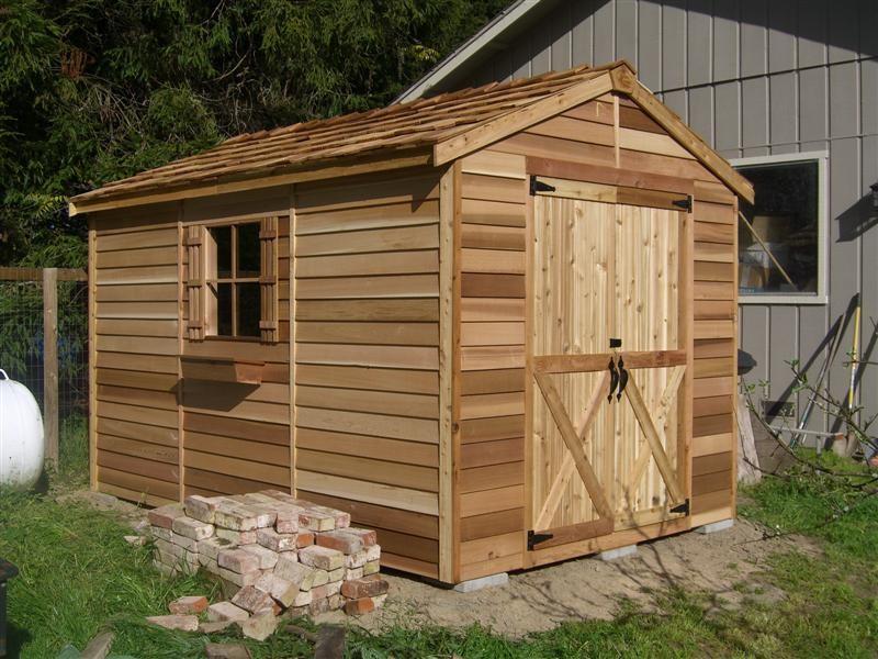 Строим сарай из дерева своими руками из недорогих и легкодоступных материалов.