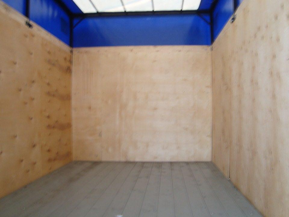 Такой материал часто используется для обшивки грузовых отсеков