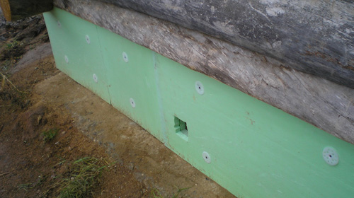 Теплоизоляция цоколя постройки из дерева пенополистиролом
