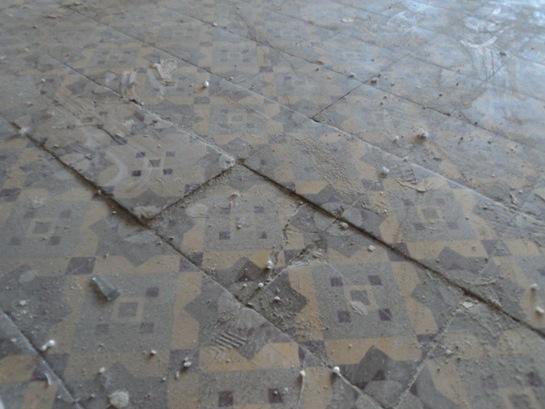Трещины керамического покрытия из-за нестабильного основания