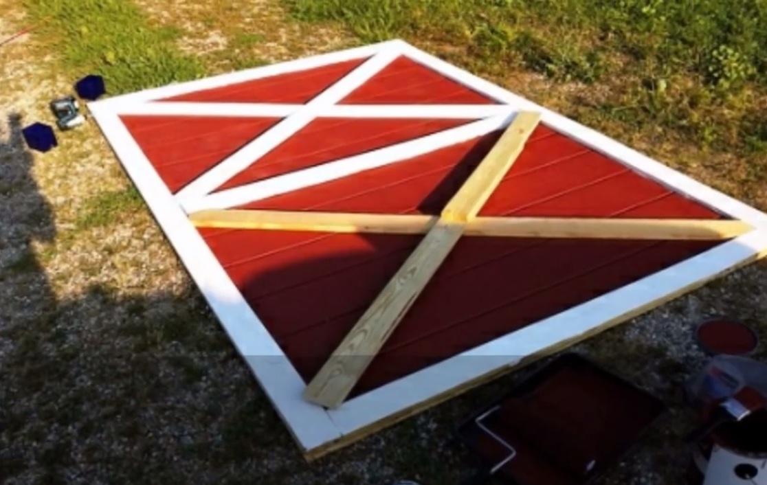 Треугольники придадут створке жёсткость