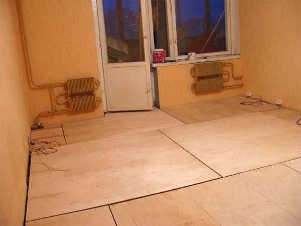 Укладка плитки на фанерный пол начинается с подготовки основания
