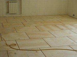 Уложенная фанера под линолеум на деревянный пол