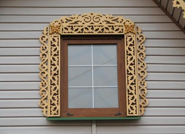 Успешная имитация резной деревянной конструкции