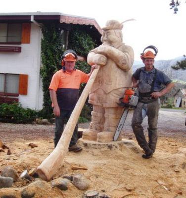 Вариант деревянной скульптуры для сада
