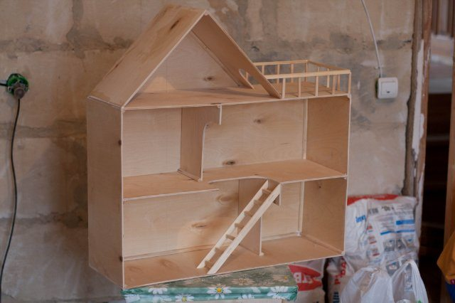 Как сделать домик своими руками из фанеры