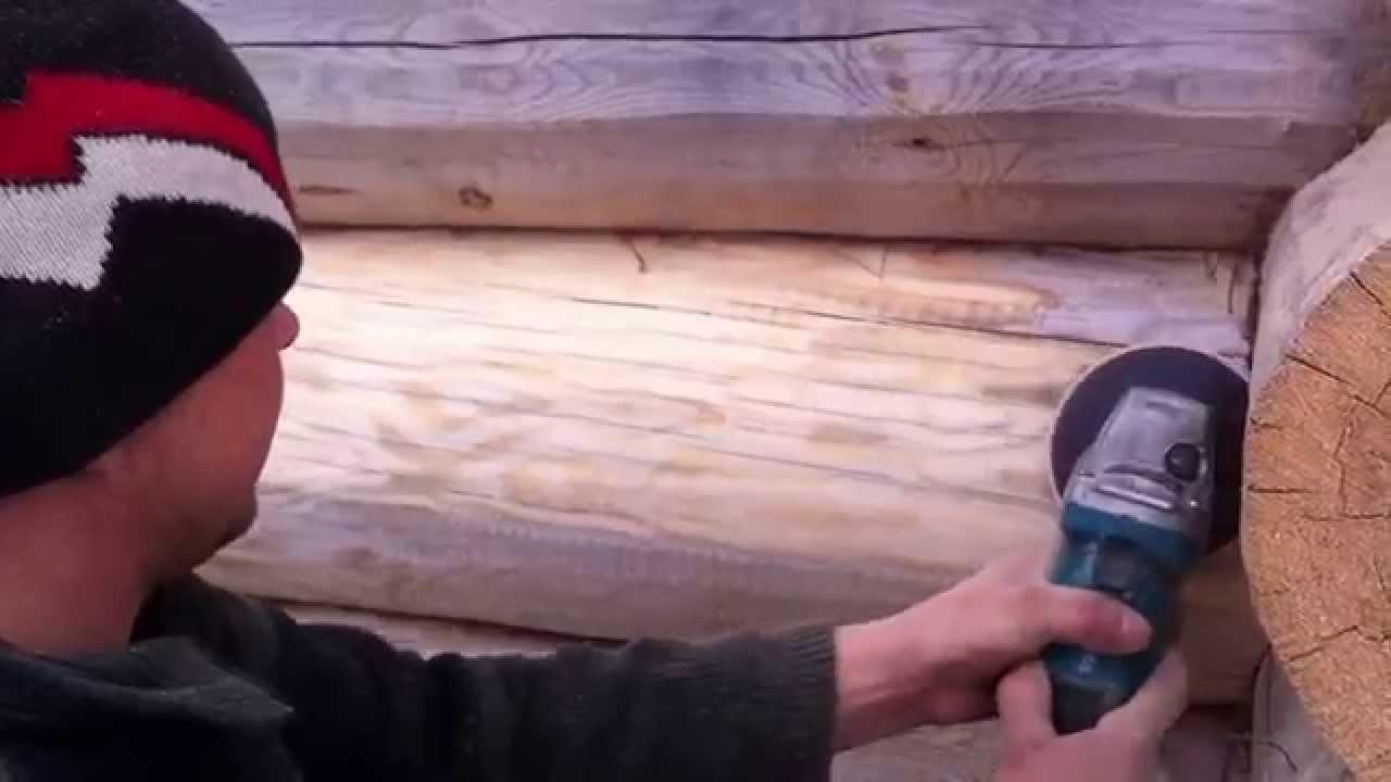 Важно освободить все заделываемые полости от торчащих элементов и волокон древесины