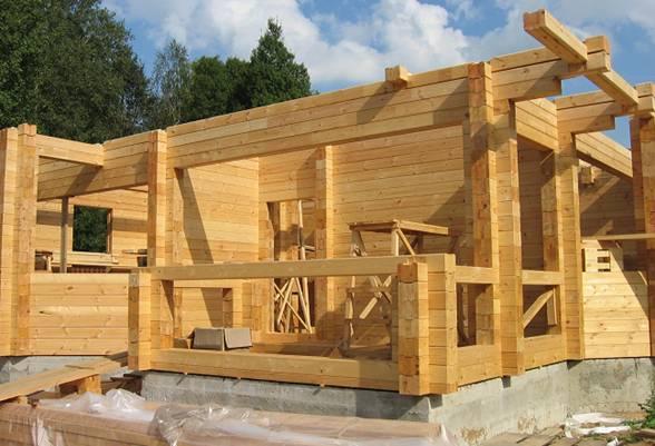 Ведется строительство дома с использованием подобного бруса.