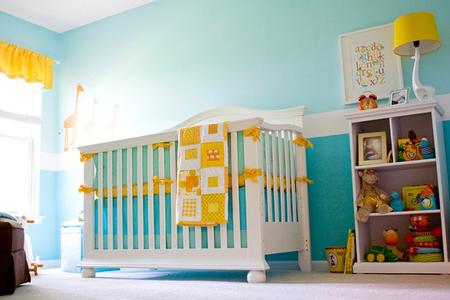 Выбирайте для детской кроватку яркие и сочные цвета