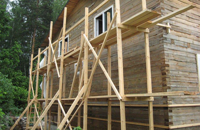 Как сделать строительные леса из досок своими