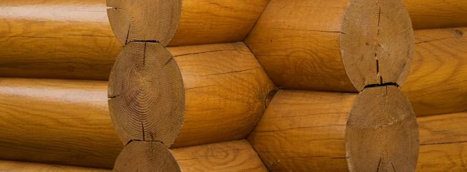 Желтоватый оттенок покрытия – самый простой способ определить лак на основе растворителя