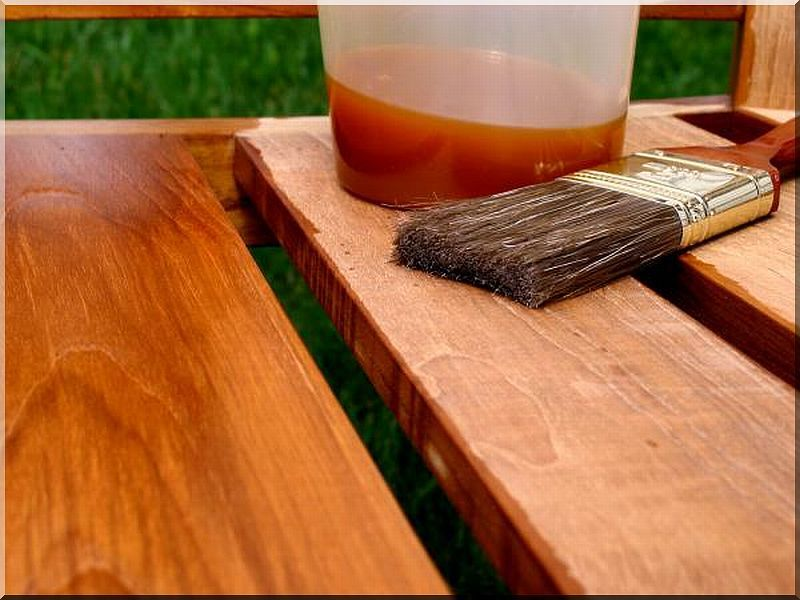 Антипирены — специальные составы, которые защищают древесину от возгорания
