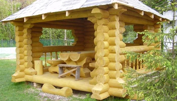 Беседка из дерева для дачи