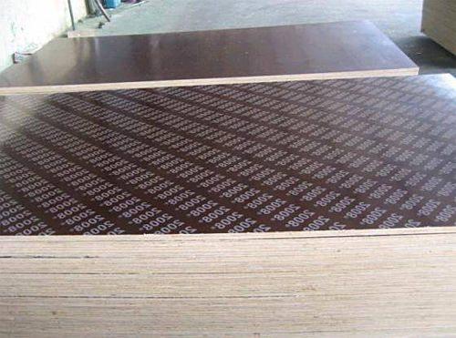 Часть готовой продукции ламинируется полимерной пленкой