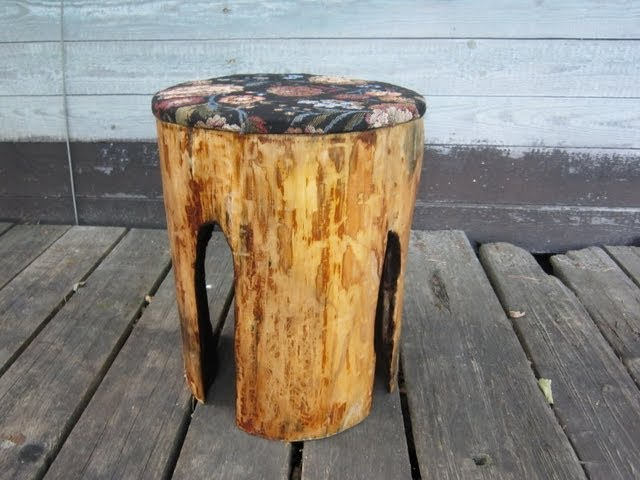 Дачный табурет из выгоревшего бревна.