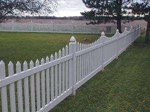Деревянные декоративные ограждения для сада позволяют зонировать участок