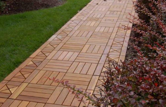 Деревянные дорожки для дачи сада и коттеджа из бруса отличаются высокой практичностью
