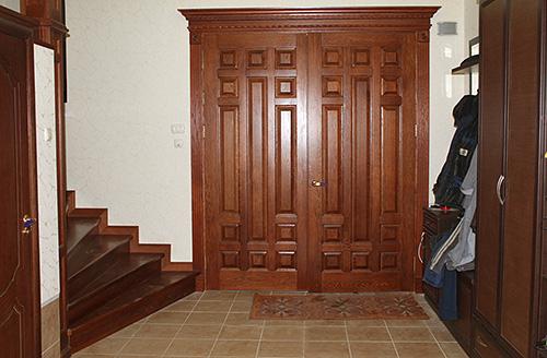 «Деревянные врата» не многим уступают по прочности своим металлическим собратьям, если были изготовлены согласно требованиям