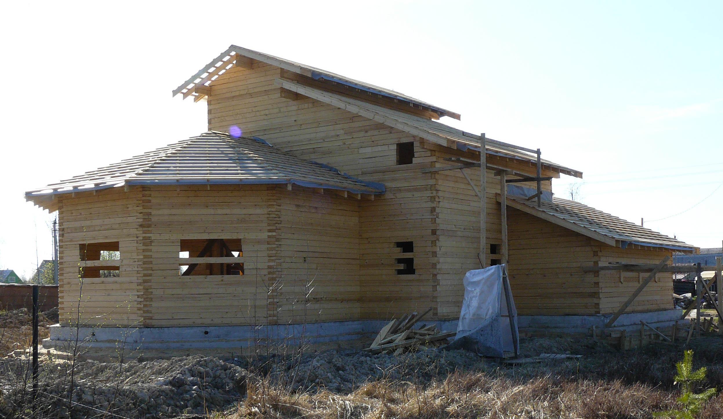 Дом из дерева может иметь любую форму