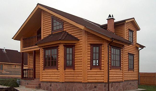 Дом обшитый блок-хаусом.