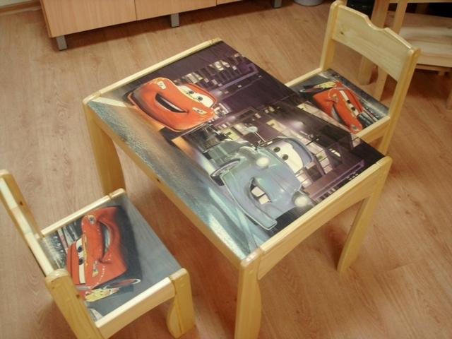 Экологически чистые краски можно использовать для нанесения изображения на детскую мебель.