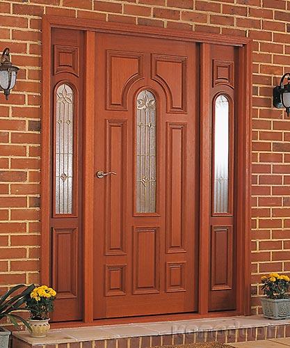 Элегантные входные деревянные двери для частного дома