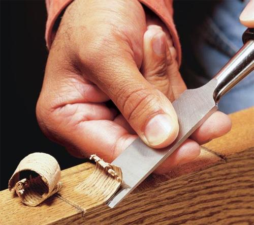 Этот инструмент используют все столяры и плотники.
