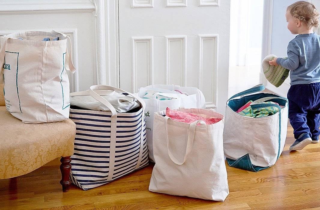 Не все дети готовы отделять сорочку от блузки и аккуратно складывать брюки