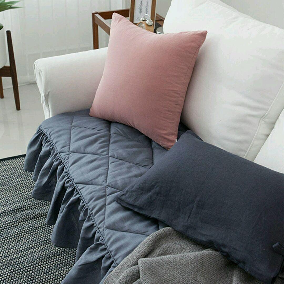 Диванные подушки из пледа