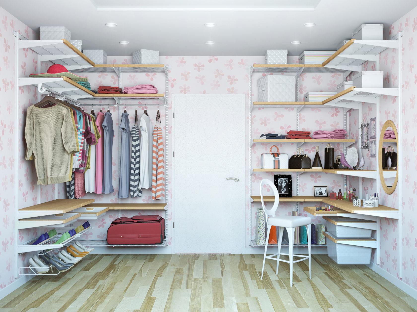 Организация гардеробной своими руками может стать местом для уединения и мечтаний
