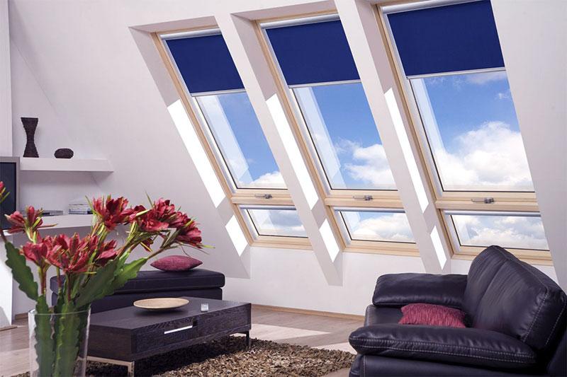 Рулонные шторы на потолочных окнах