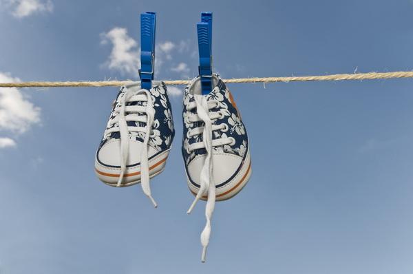 Лучше всего сушить кроссовки на улице