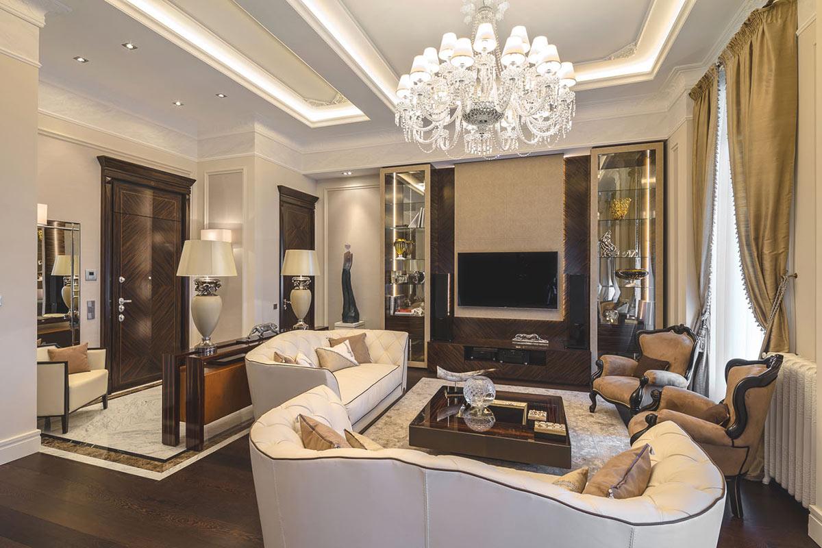 Даже в маленьких итальянских квартирах ставят несколько диванов и кресел