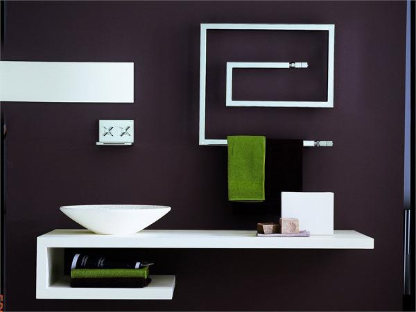 Стильный полотенцесушитель может стать украшением ванной комнаты