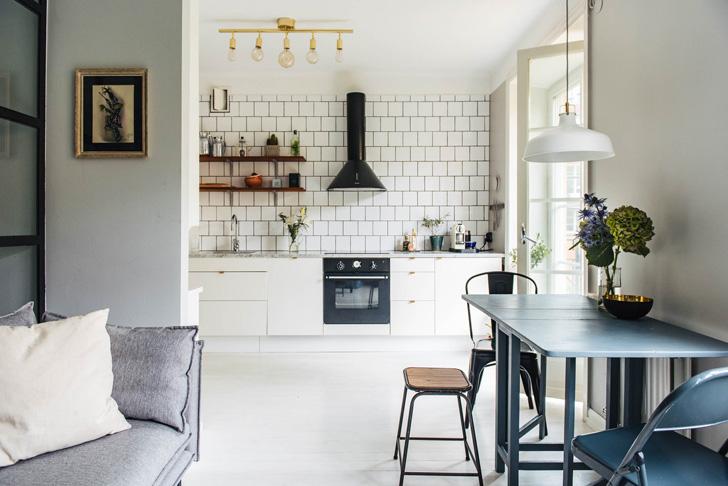 Не обязательно ломать стены, чтобы сделать маленькую квартиру больше