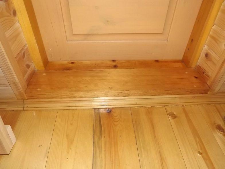 Фото деревянного порога.