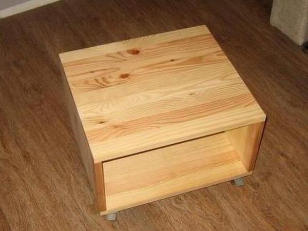 Фото тумбочки-столика.