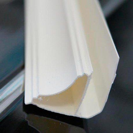Глубина пазов невелика, поэтому следует тщательно проводить замеры при резке каждого элемента