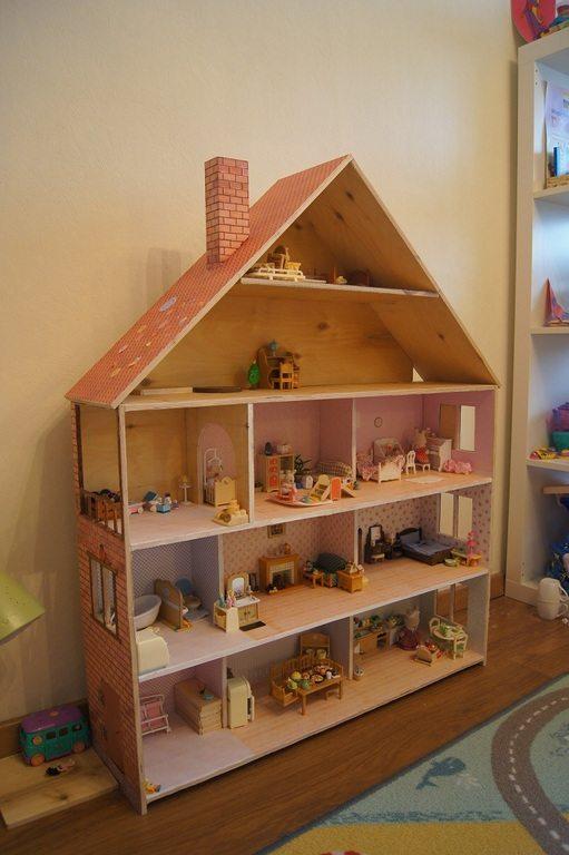 Готовый дом из фанеры для кукол вашей дочери